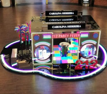 Carolina Herrera Pop-up store by Sign Works at Dubai Mall