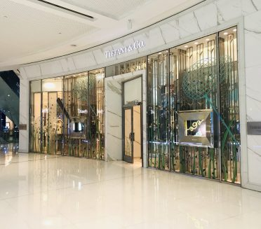 Tiffany & co window vinyl by Sign Works at Dubai Mall